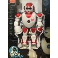 Функциональный робот на р/у,38 см.,выполняет команды,стреляет стрелами,подвижные суставы,полностью р